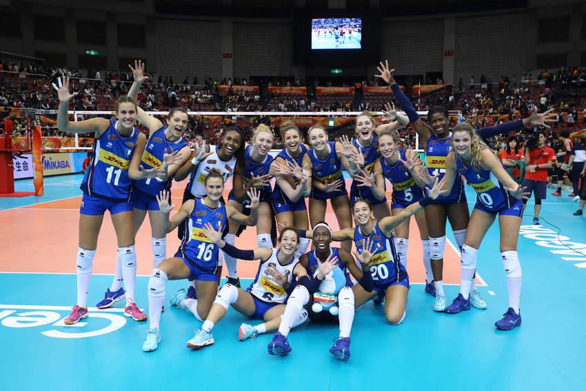 La gioia delle azzurre dopo la vittoria sul Giappone