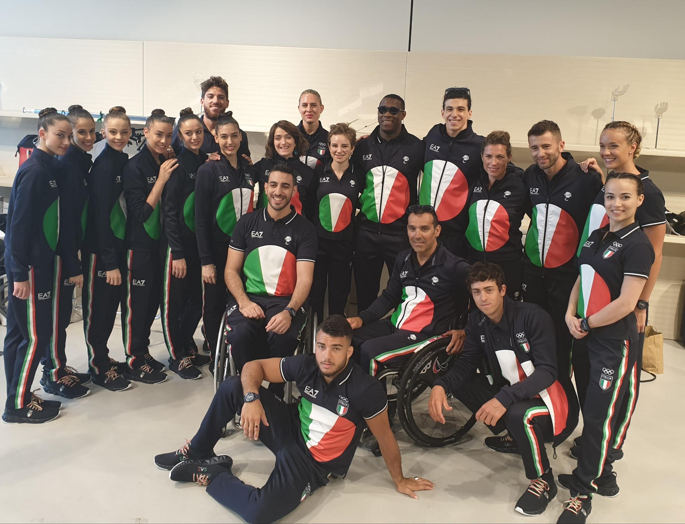 ab9fa12c73 Giorgio Armani veste l'Italia Team, presentata la divisa per Tokyo 2020