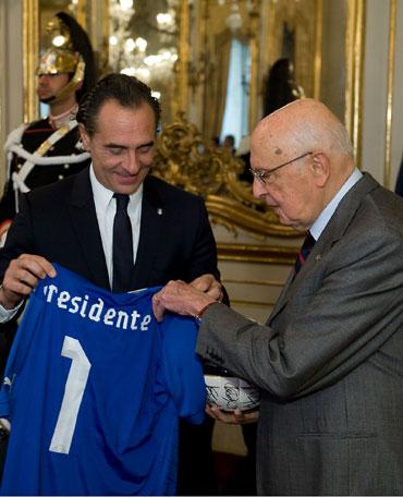 Prandelli-Napolitano-maglia