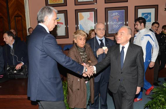 039 il presidente malago saluta gianni letta