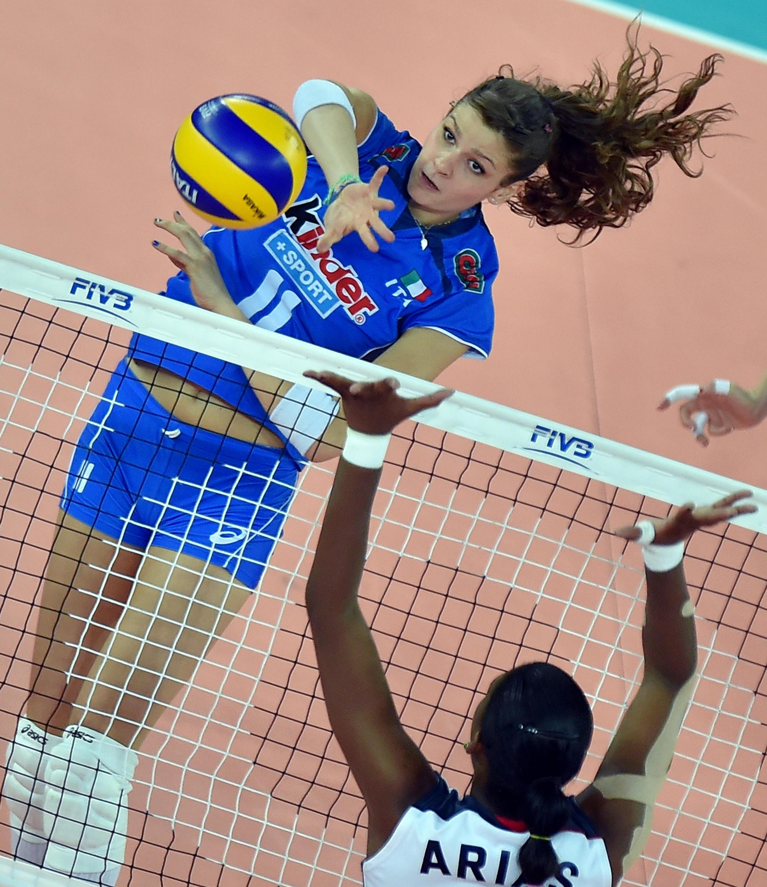 Cristina Chirichella 01