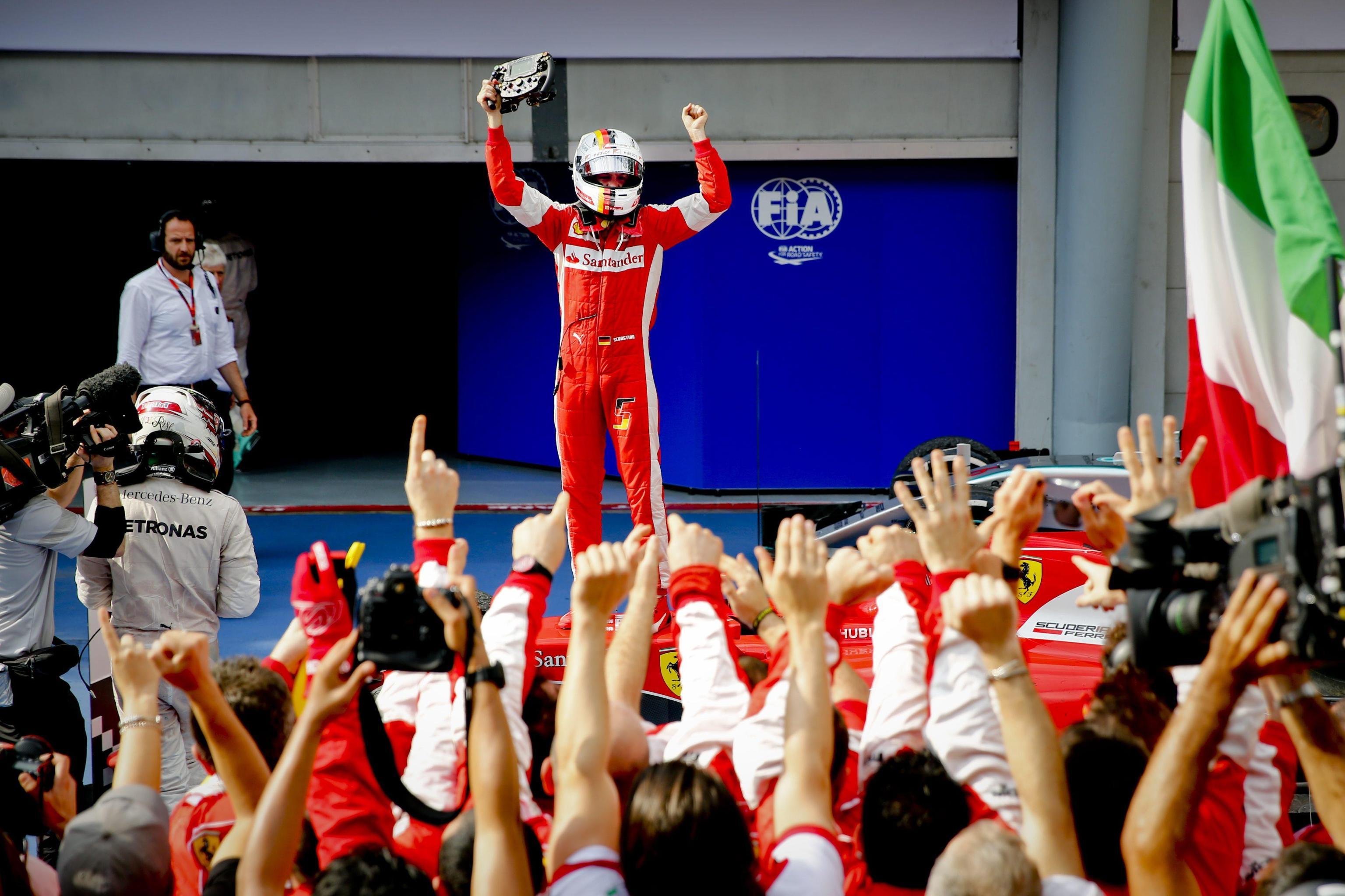 12 Ferrari & Vale