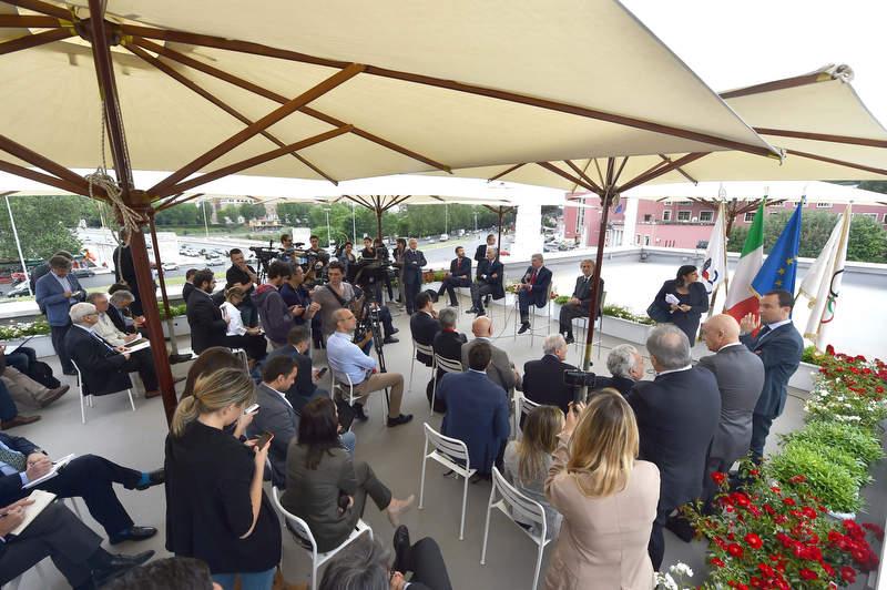 22 conferenza stampa del presidente Bach