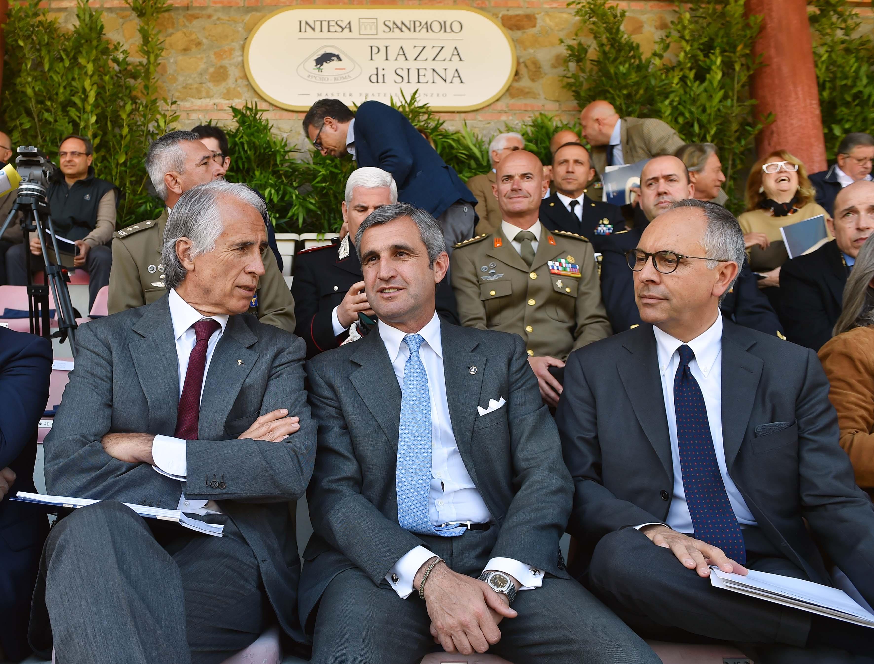 170503008 Piazza Di Siena Conf - Foto Simone Ferraro