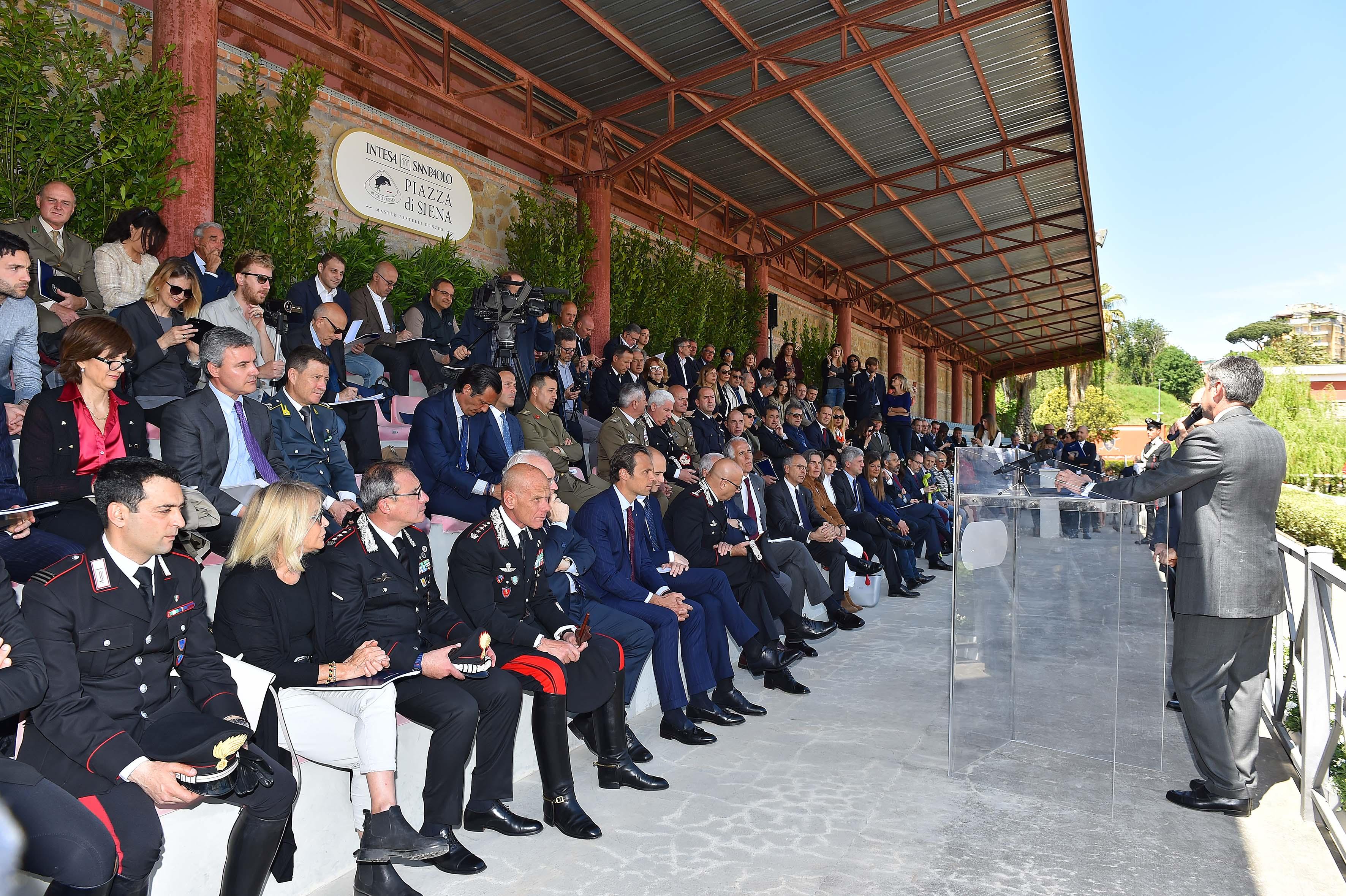 170503018 Piazza Di Siena Conf - Foto Simone Ferraro