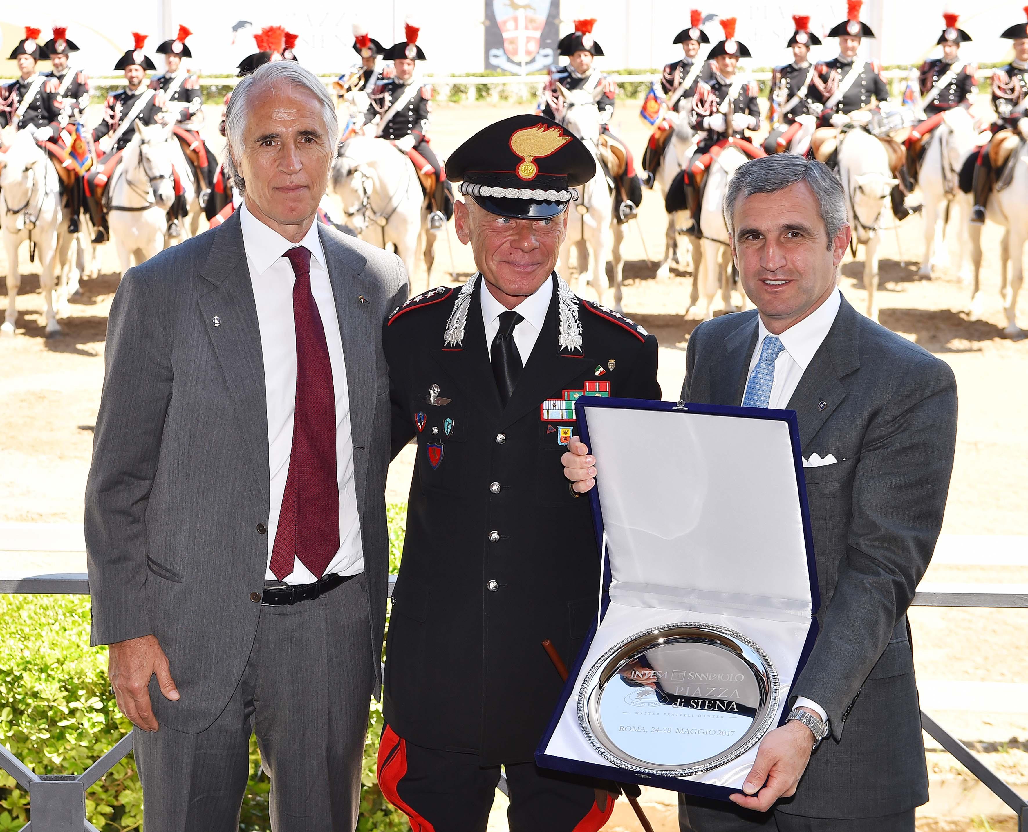 170503034 Piazza Di Siena Conf - Foto Simone Ferraro