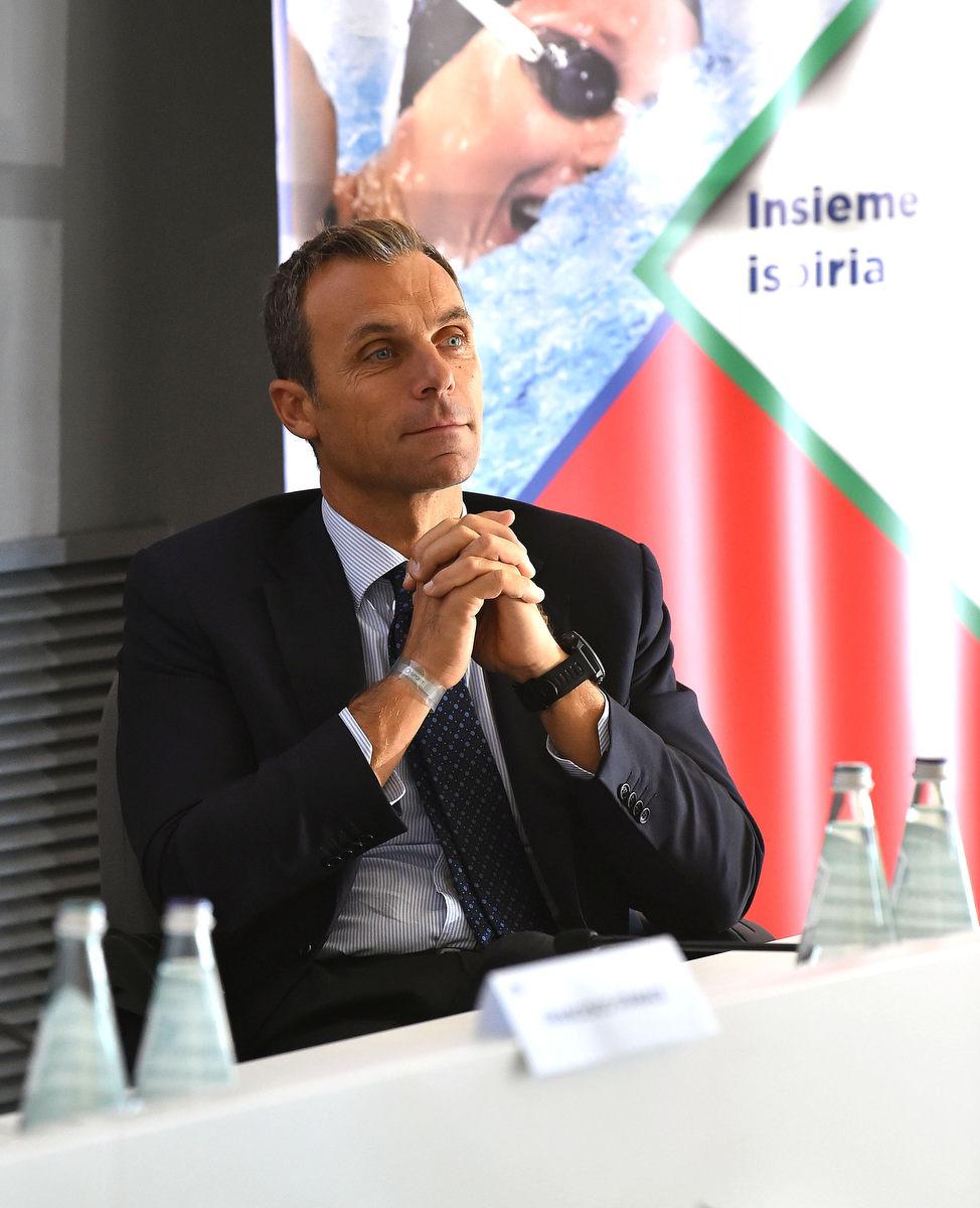 management olimpico mezzelani gmt027