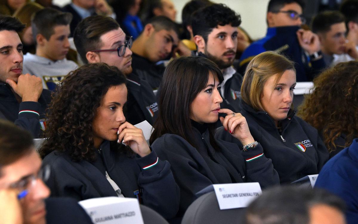 management olimpico mezzelani gmt037