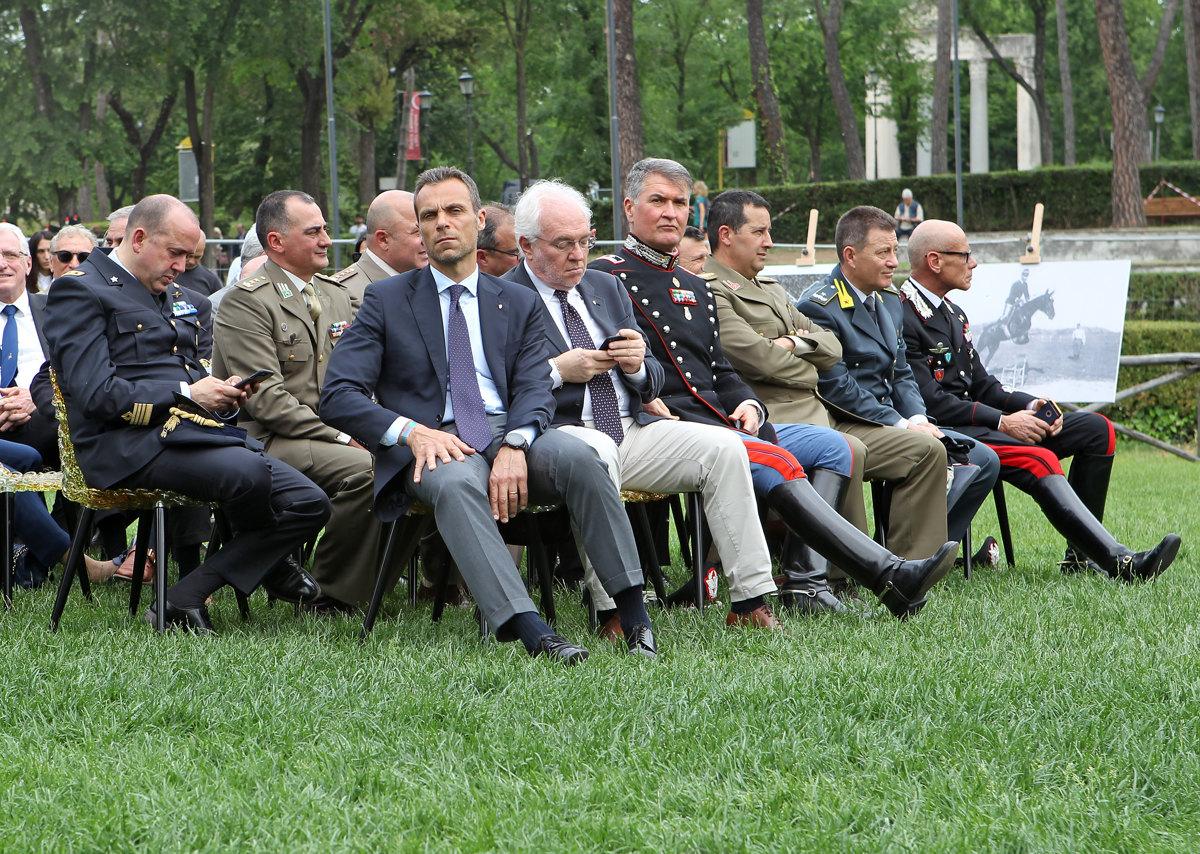 015 Presentazione Piazza di Siena Pagliaricci GMT