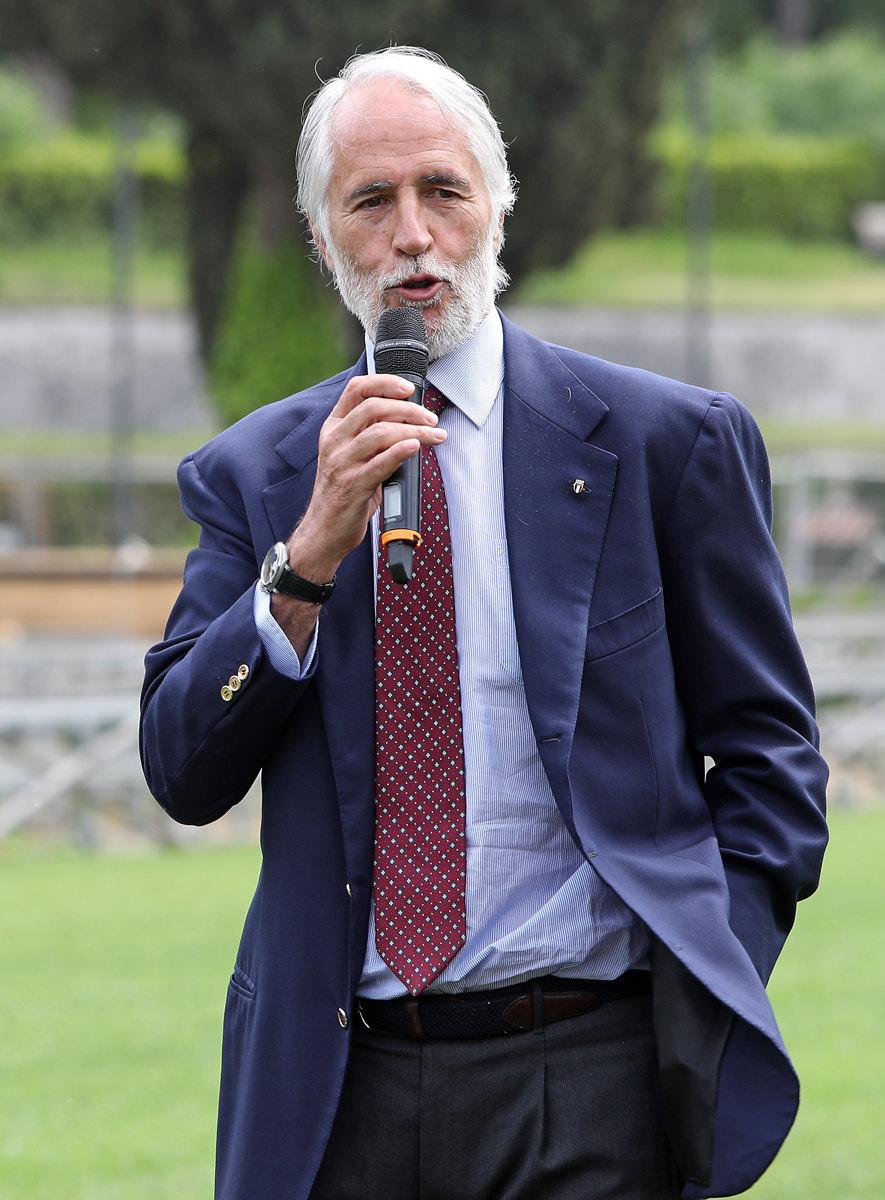 056 Presentazione Piazza di Siena Pagliaricci GMT