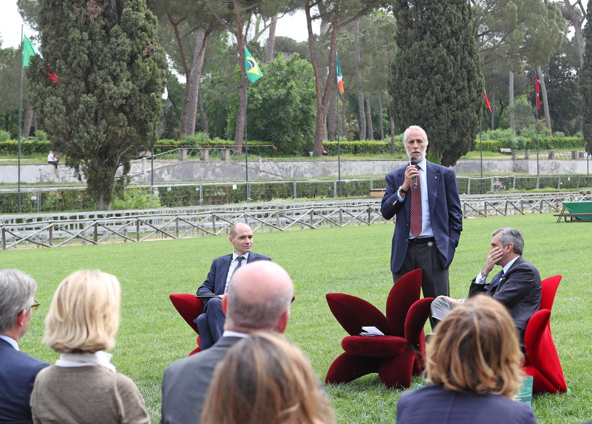 057 Presentazione Piazza di Siena Pagliaricci GMT