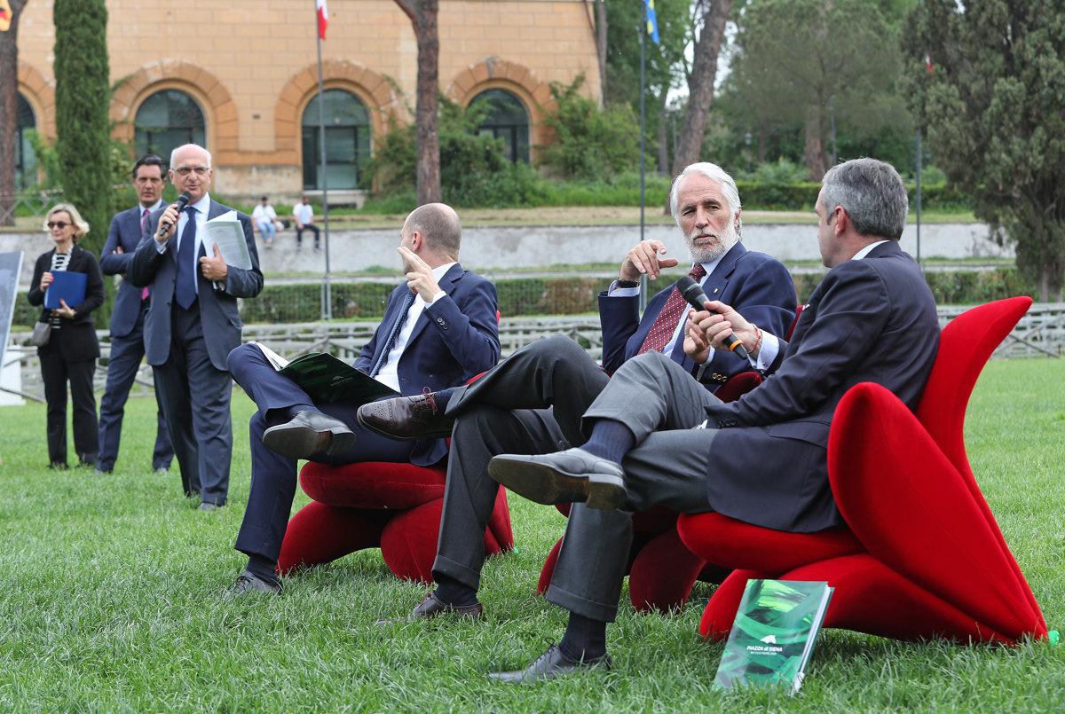 060 Presentazione Piazza di Siena Pagliaricci GMT