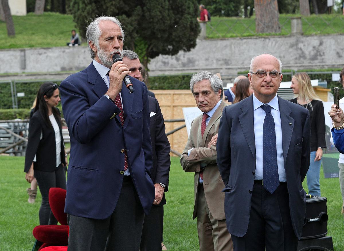 073 Presentazione Piazza di Siena Pagliaricci GMT