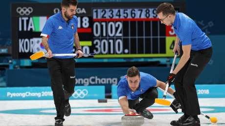 Gli azzurri del curling contro i padroni di casa