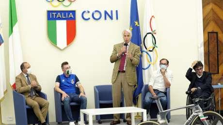 Elia Viviani Portabandiera Foto Luca Pagliaricci018