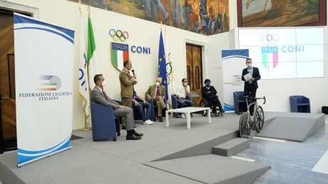 Elia Viviani Portabandiera Foto Luca Pagliaricci026