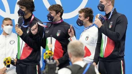 STAFFETTA mista 4x100misti uomini BRONZO foto Luca Pagliaricci GMT _PAG2508 copia